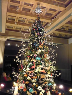 Origami Christmas Tree at the New York Museum of Natural History